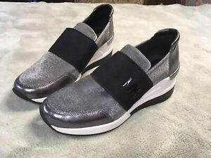 Womens Michael Kors Wedge Sneaker Tennis Shoe Size 8 White, Silver, Black