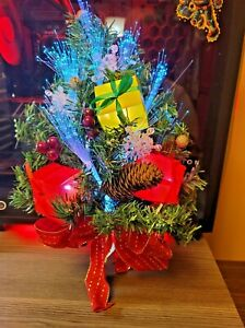 Fiber Optic Christmas Tree Decorated w/ Gift Boxes and Snowflakes Door Swag