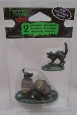 Lemax Spooky Town Accessory Figurine Wine Barrels Set of 2 Cats #34611 NEW @2013