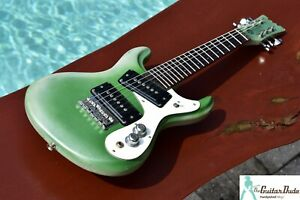 """Mosrite Mini - White over Green - Made in Japan """"A"""" Tuning"""