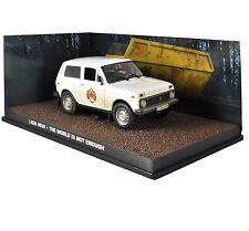 JAMES BOND LADA NIVA THE WORLD IS NOT ENOUGH - 1:43