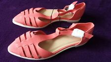 BN. LADIES SIZE 7 PEACHY COLOURED FLAT SUMMER SHOES BY FIORE