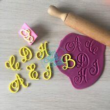 Alfabeto Maiuscole Iniziali Embossing Pasta Di Zucchero Set Completo Cake Design