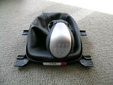 GENUINE HSV VE V8 (MALOO GTS) 6SP MANUAL LEATHER GEAR KNOB & BOOT COVER (LS2)