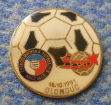 CZECHOSLOVAKIA ALBANIA  FOOTBALL ELIMINATION EUROPEAN CHAMPIONSHIPS 1991 PIN