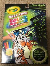 Color Wonder Glow Mural & Markers Set (Glows In The Dark)