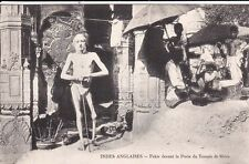Carte postale ancienne INDE INDIA fakir porte du temple de shiva