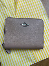 BNWT Coach Small Zip Around Leather Wallet Purse