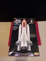 LINDBERG SPACE SHUTTLE WITH BOOSTER ROCKETS DISCOVERY MODEL KIT BOXED