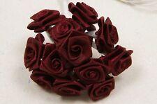 72 petites roses bordeaux. Décoration de mariage