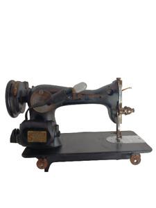 Antique Vintage Singer Sewing Machine Model AH138648