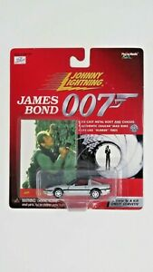 Johnny Lightning James Bond 007 die-cast Chevy Corvette 1:64 Scale