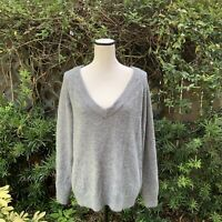 H&M Women's Size Small Gray V-Neck Knit Pull Over Oversized Warm Winter Sweater