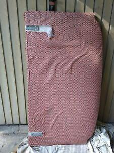 Tête de lit (140) tapissier à recouvrir, forme galbée