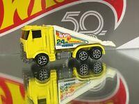 HOT WHEELS RAMP TRUCK Mattel Die-Cast Yellow 24Hr Towing Car 1986 Vintage Vhtf