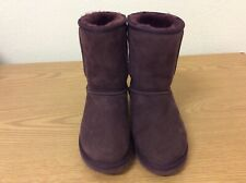 Ladies PreOwned Authentic UGG BOOTS Size 6 PURPLE COLOR