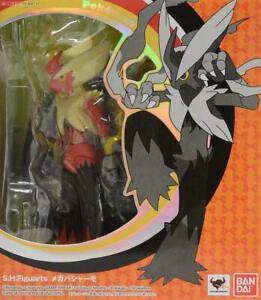 BANDAI 2014 S.H. Figuarts Action Figure Pokemon Blaziken