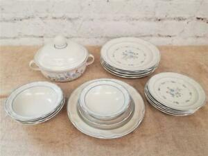 Cordella Collection Dinner Stoneware Set 30pc Japan Bluet
