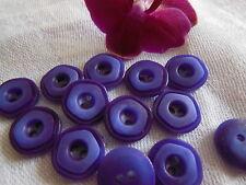 lot 18 Boutons vintage violet petit travaillé diamètre: 1,3 cm ancien ref 1485