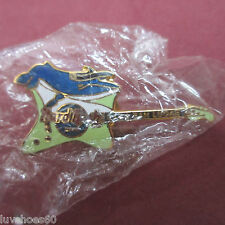 Hard Rock Cafe Cabo San Lucas Green Whale Fender Guitar Pin Collectible Hat