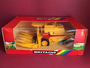 1988- Britains 1/32 New Holland TR85 Combine Harvester Maize Head No9571 MIB