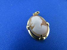 ancien pendentif  or massif 18 carats camée profil feminin medaillon