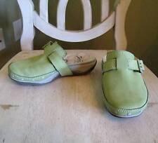 Womens Cushe Carvel Lt Green Slides Clogs Shoes Sz 6