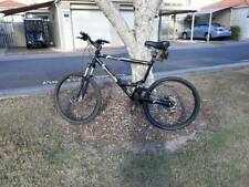 mens high end 26inch mountain bike in very good condition