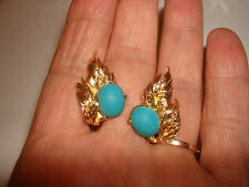 VINTAGE 14K YELLOW GOLD 12mm x 10mm TURQUOISE 28mm LENGTH CLIPS EARRINGS 9.3 Gr