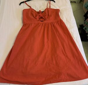 Summer Dress Size 20 Red Bow Detail / Cut out, Flattering cleavage