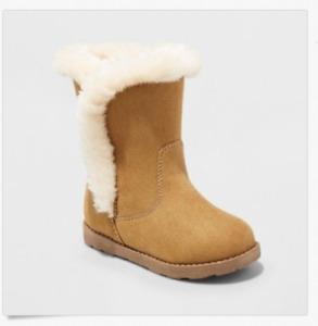 Cat & Jack Toddler Girls' Katrina Fleece Cozy Fashion Boots - Tan