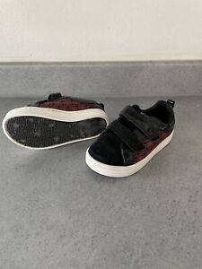 Clarks MARVEL Size 6G BABY  TRAINERS