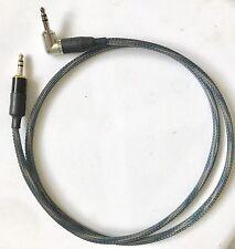 Cable de qualité audiophile avec jacks Neutrik 3,5 mm. Longueur 80 cm.