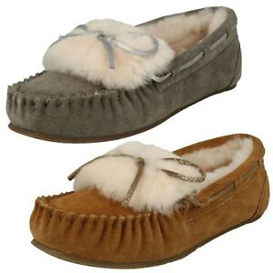 Ladies Clarks Warm Glamour Suede Leather Wool Lined Moccasin Slippers