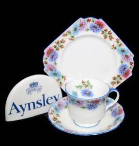 Vintage 1920s Aynsley England art deco daisies blue rim teacup trio