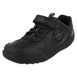 Solde Garçons Clarks Enduit Noir Leather WING LITE École Chaussures Largeur G