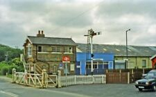 PHOTO  YORKSHIRE  HUNMANBY RAILWAY STATION AND LEVEL-CROSSING 1997