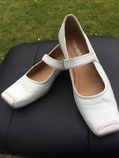 NEW PIERRE CARDIN Mary Jane Shoes Real Leather 7 40 White Flats Comfort Designer