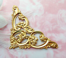 BRASS Scroll Leaf Cartouche Corner Stamping ~ Victorian Jewelry Finding (C-902)