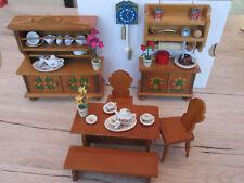 Konvolut 55 Teile für Puppenhaus Holz Puppenmöbel,Porzellan Geschir,Deko vor1970