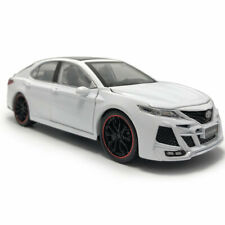 Toyota Camry KHANNIII 1:24 Model Car Metal Diecast Vehicle Collection Gift White