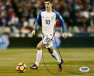 CHRISTIAN PULISIC Signed 8x10 PHOTO Chelsea WORLD CUP USMNT SOCCER PSA / DNA