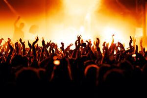 Fototapete Konzert Bühne Fans Musik - Kleistertapete oder Selbstklebende Tapete