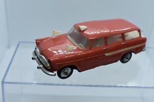 NOREV 1/43 simca marly ambulance ancienne en plastique années 70