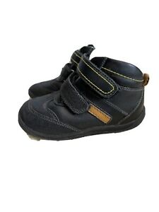 boys leather school shoes Size 8 Garvalin