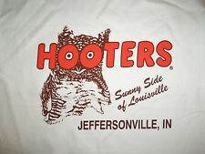 Hooters Jeffersonville Indiana IN Hot Chicks Restaurant Graphic Print T Shirt L