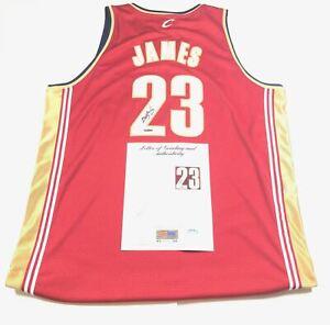LeBron James Signed Jersey Upper Deck PSA/DNA Auto Grade 9 Cavaliers Autographed