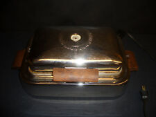 VINTAGE MADE-RITE WAFFLE MAKER  IRON  MODEL 2221 MADE in USA