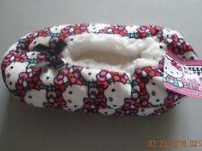 Hello Kitty Fuzzy Slipper Socks Girls Size M/L shoe Size 13-4 -NWT