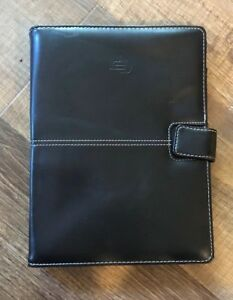 """Solo Universal 6"""" x 9"""" to 7 1/4"""" x 10"""" Leather-like Case"""